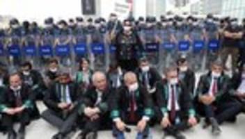 Türkei: Parlament billigt umstrittene Anwaltskammer-Reform