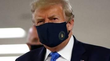 Corona-Krise: Trump trägt Maske bei Besuch von Militärkrankenhaus