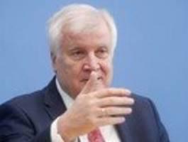Innenminister wundert sich über Ankündigung seines Ministeriums