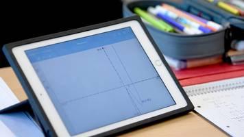 Eltern an Kosten für Digitalisierung in Schulen beteiligen