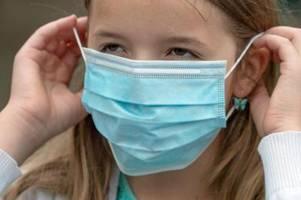 Minister: Zu früh für Abschaffung der Maskenpflicht