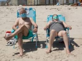 Maskenpflicht: Der neue Bikinistreifen