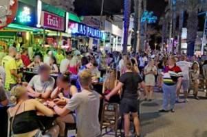 Corona-Krise: Gedränge am Ballermann: So blenden Sauf-Touristen Corona aus