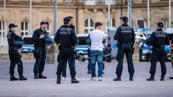 Ermittlungen zur Krawallnacht: Stuttgarter Polizei verteidigt Abfrage von Daten bei Standesämtern
