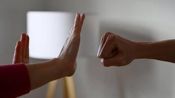 Ein Blick in die Länder: Mehr häusliche Gewalt in der Corona-Zeit?