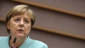 Umfrage: Merkel,  Söder und Scholz schneiden gut ab