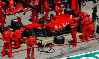 Rempelt ein Ferrari den anderen