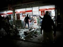 Ermittlungen nach Krawallnacht: Ministerium verteidigt Stuttgarter Polizei