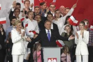 Stichwahl um Präsidentenamt: Wahl in Polen: Duda laut Prognosen vor Trzaskowski