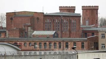5000 mund-nasen-bedeckungen in mv-gefängnissen genäht