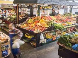 inflation bei 0,9 prozent: preise für obst und fleisch gestiegen