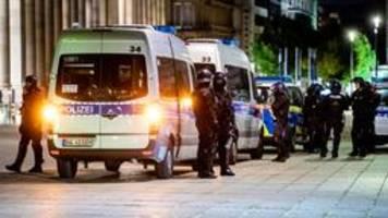 Ausschreitungen in Stuttgart: Kretschmann verteidigt Polizei