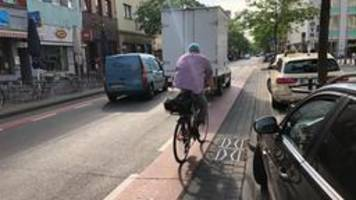 Studie: Parkende Autos sind große Gefahr für Radfahrer