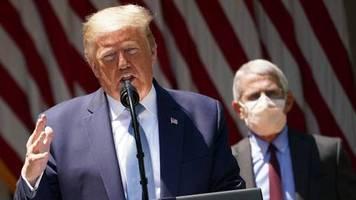Mitten in der Pandemie: Wie das Weiße Haus den Corona-Experten Fauci diskreditieren will