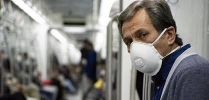 Als ich im Zug in Österreich nach der Maskenpflicht frage, ernte ich böse Blicke