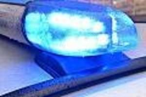 """polizei geht von """"innerfamiliärer straftat"""" aus - mehrere tote in wohnung in reutlingen entdeckt"""