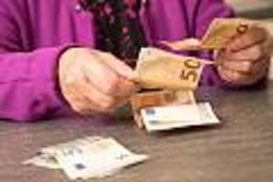 aktuelle zahlen zeigen bittere realität - 40 jahre gearbeitet, nicht mal 1000 euro rente: jeder dritte erlebt alptraum im alter