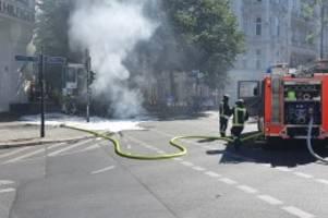 feuerwehreinsatz: maserati brennt am kurfürstendamm