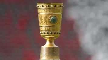 eintracht frankfurt im dfb-pokal beim bayerischen cup-sieger