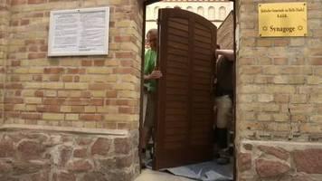 video: neue tür für die synagoge von halle