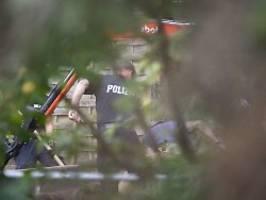 geheimer keller im fall maddie?: polizei legt kleingarten-fundamente frei