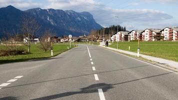 tirol führt neue fahrverbote an wochenenden ein – das ist der grund