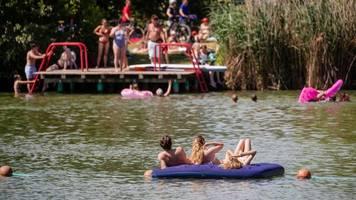Gemeinden mit Badeseen schauen wachsam aufs heiße Wochenende