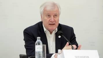 Horst Seehofer erteilt Stadt Berlin Absage für Flüchtlingsaufnahme