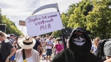 Polizei will Kundgebung gegen Corona-Maßnahmen auflösen