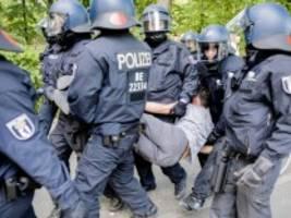 Demonstration in Berlin: 18 Polizisten bei Auflösung von Berliner Kundgebung verletzt