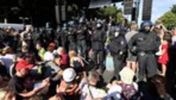 Corona-Demonstration: 18 Polizisten bei Auflösung von Berliner Kundgebung verletzt
