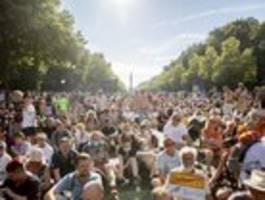 Forderung nach schärferen Auflagen und Kritik an Berlins Innensenator