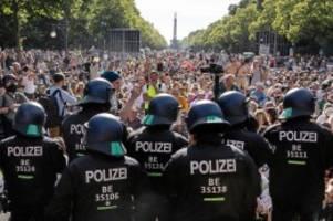 """Pandemie: Corona-Maßnahmen: """"Der Staat muss klares Zeichen setzen"""""""