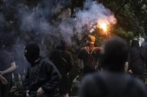 Demonstrationen: 18 Polizisten bei Auflösung von Berliner Kundgebung verletzt