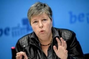 Weitergabe von Bezügen: Berliner Bausenatorin Katrin Lompscher erklärt Rücktritt