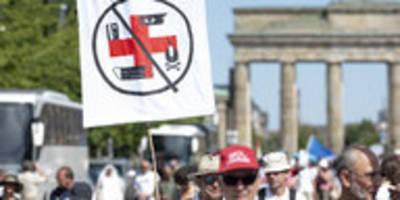 """jüdisches forum über corona-protest: """"nicht zugänglich für aufklärung"""""""