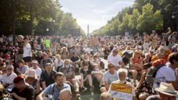 nach corona-demo in berlin: politik warnt vor lockerungen