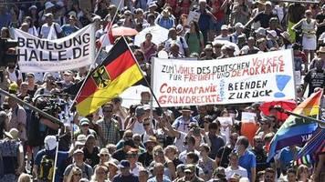 Demos gegen Corona-Politik: Unsere Demokratie erlaubt hasserfüllte Debatten, aber das Virus verzeiht keine Dummheit