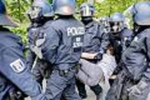 """nach protesten in berlin -  """"respektlos und gefährlich"""": dortmunds polizeichef warnt vor privaten corona-exzessen"""