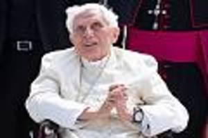 Äußerst gebrechlich - Ex-Papst Benedikt XVI. besuchte seinen Bruder - jetzt ist er schwer erkrankt
