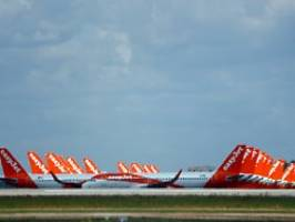 tiefrote zahlen in corona-krise: easyjet erhöht zahl der flüge überraschend