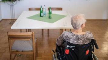 «Lage weiterhin angespannt»: Anwerbung ausländischer Pflegekräfte stockt wegen Corona