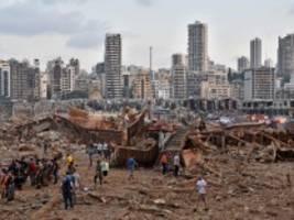 libanon: gewaltige explosion zerstört beiruts hafen