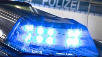 unwetter in bayern: sintflutartiger regen: autobahn münchen - salzburg wegen Überflutung gesperrt