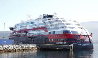 hurtigruten stellt expeditions-seereisen wieder ein