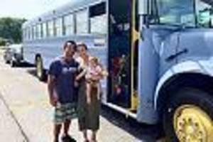 Florida (USA) - Schulbus zum Tiny House umgebaut: Paar lebt mit zwei Kindern und Hund auf 17 Quadratmetern