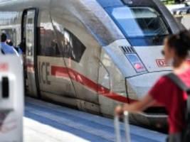 Corona und Bahnreisen: Das Virus fährt mit