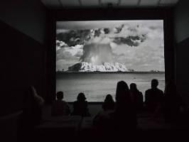 Abwürfe auf Berlin und Frankfurt: Greenpeace simuliert Atomangriffe