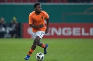 Fußball: Hertha BSC vor Verpflichtung von Deyovaisio Zeefuik