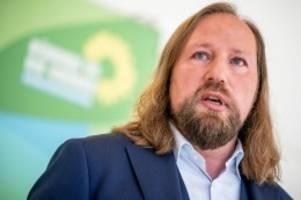 Grünen-Fraktionschef: Hofreiter: Regierung bei Corona-Schutz an Schulen fahrlässig